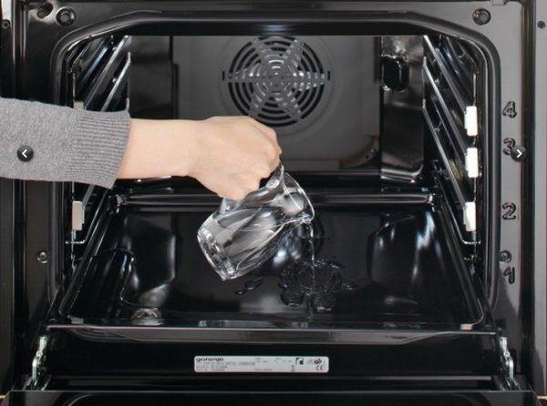 Гидролизная чистка духовки