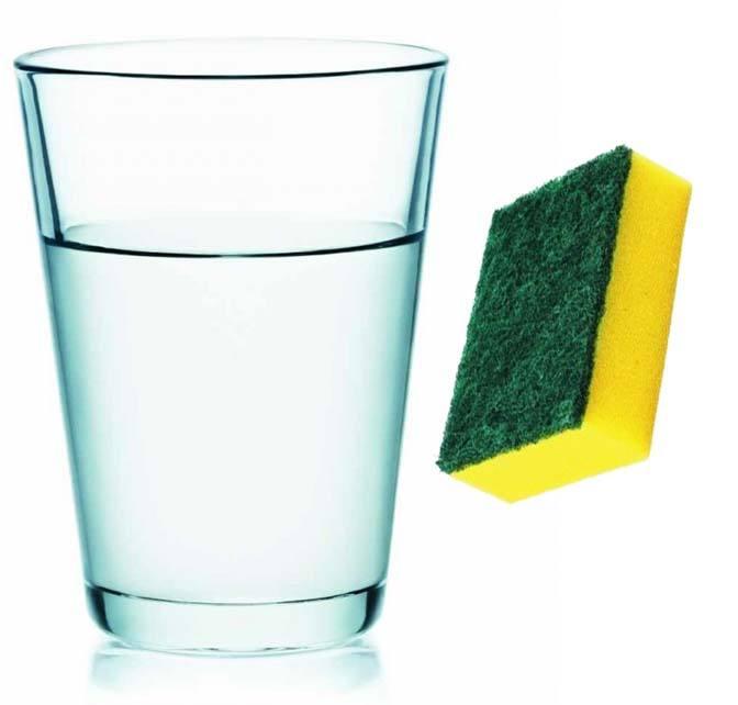 Вода и губка