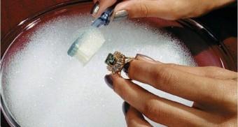 4ce4e9caf Как почистить замшу в домашних условиях: как мыть правильно?
