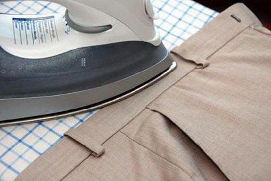 Разглаживание верхней части брюк