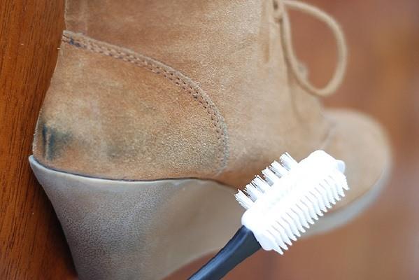 Чистка зубной щёткой