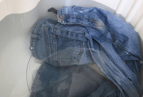 Замачивание джинс