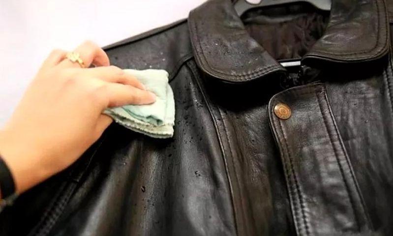 Засаленная куртка