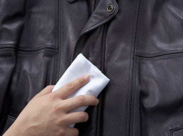 Протирание куртки
