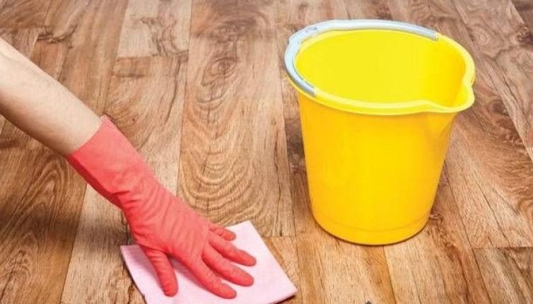 Способы очистки линолеума после ремонта