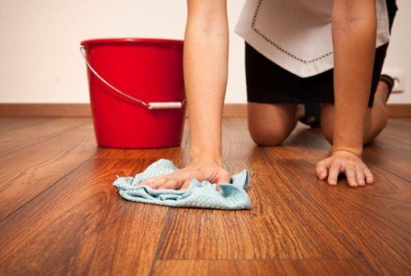 Как отмыть линолеум от шпаклевки и побелки после ремонта