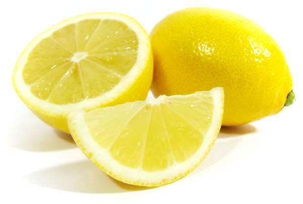 Очистить клей от наклейки с помощью лимона