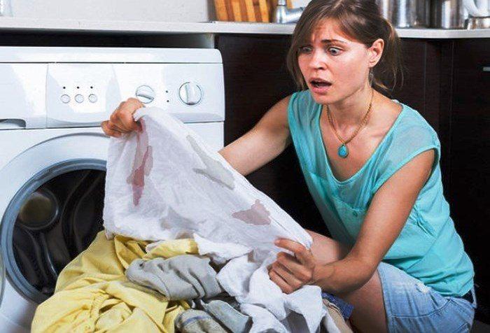 Полинявшие пятна на одежде