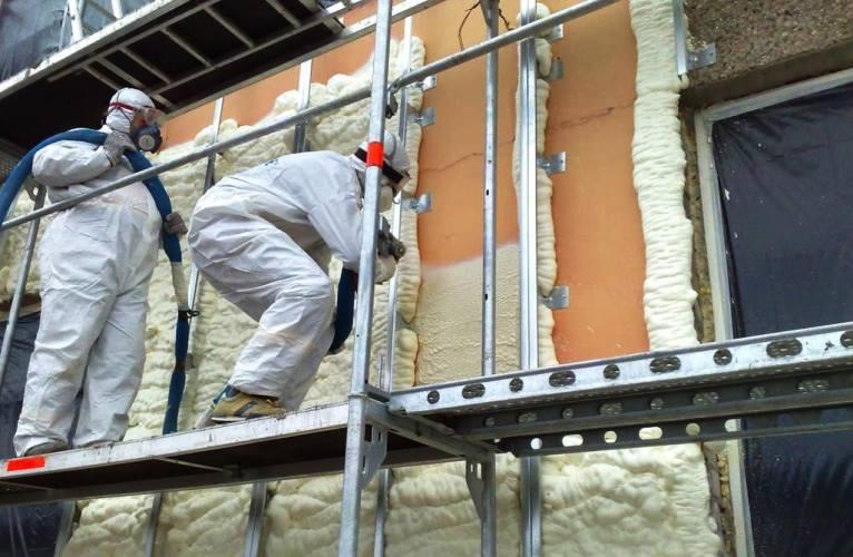 Утепляя стены предотвращаем запотевание окон