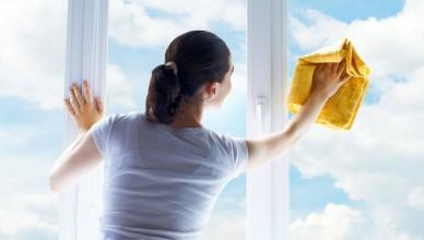 httpouborke.ruchem-mozhno-otmyt-skotch-ot-plastikovogo-okna-i-plastika