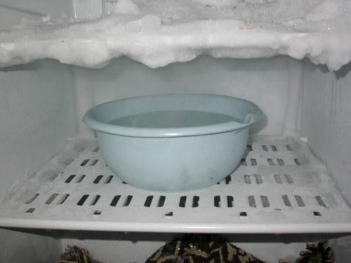 Разморозка с горячей водой