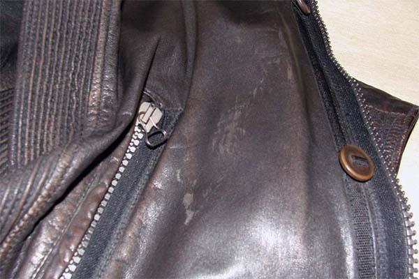 Потёртости на куртке