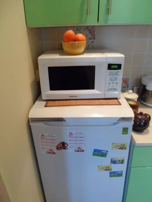Микроволновка на однокамерном холодильнике