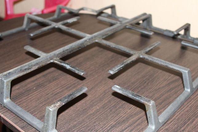 Чугунная решетка газовой плиты