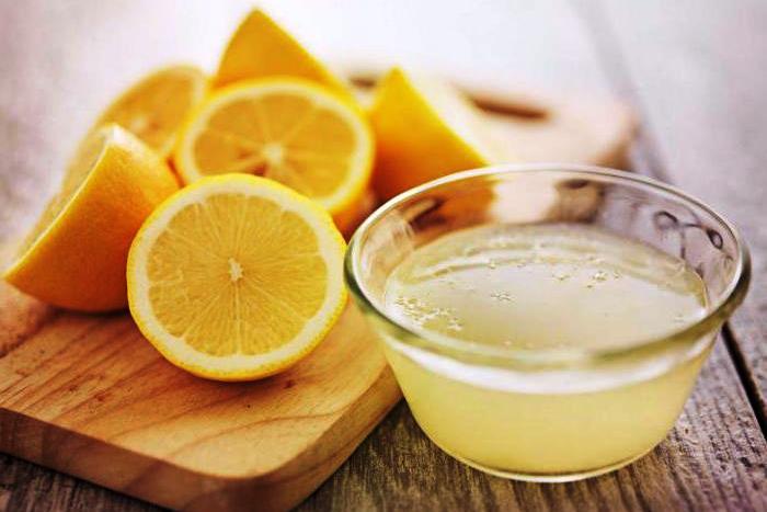 Устранение запаха в чайнике лимонным соком