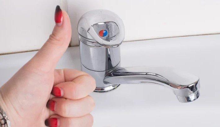 Зачем нужно чистить кухонный кран
