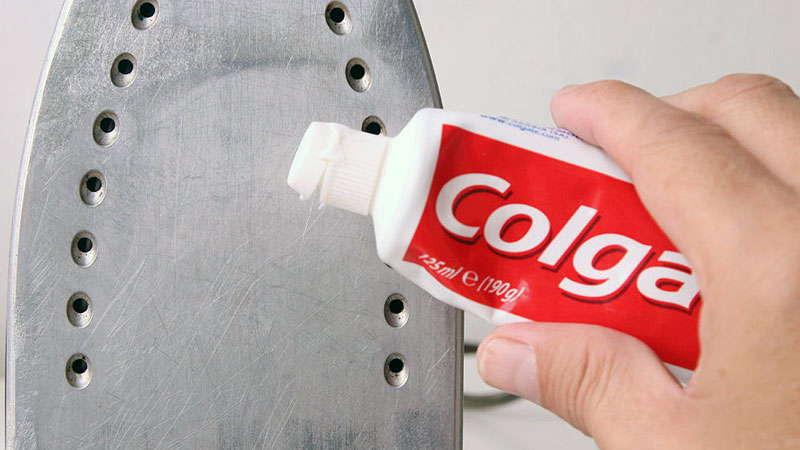 Очистка утюга зубной пастой